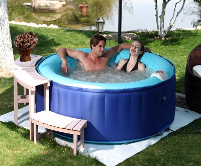 Piscine gonflable jacuzzi for Jacuzzi ou piscine