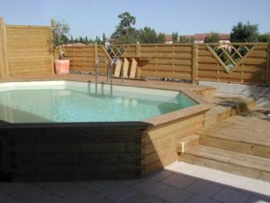 Comment installer et am nager une piscine semi enterr e en - Petite piscine semi enterree ...