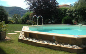 Infos sur amenager une piscine semi enterre arts et for Piscine semi enterre